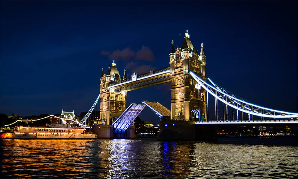 london tower walkways christmas party venue hire