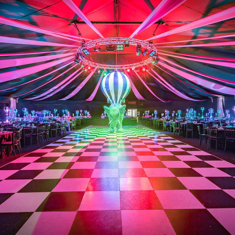 dream-circus-christmas-party-theme